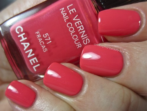 CHANEL Fracas swatch