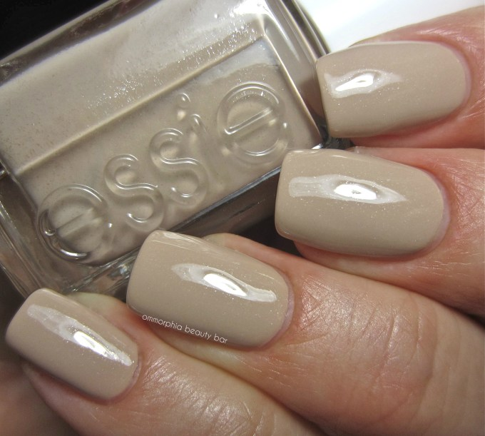 Essie Cocktails & Coco swatch 2
