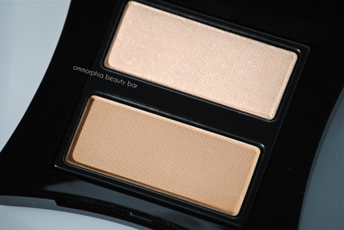 Illamasqua Sculpting Powder Duo macro 2