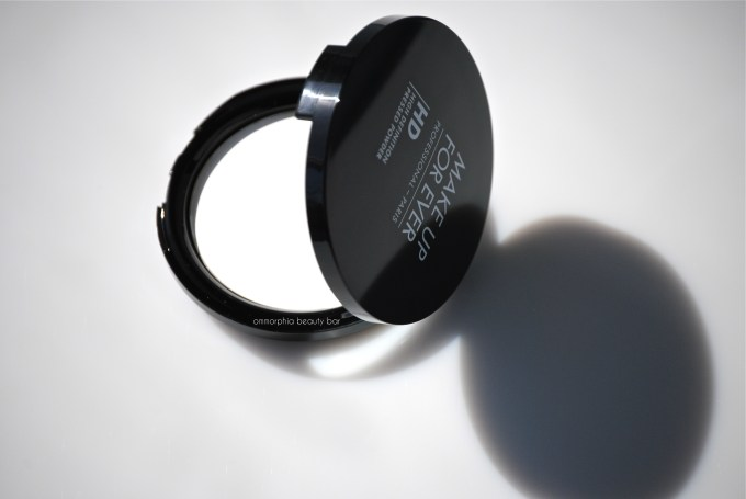 MUFE HD Pressed Powder closer