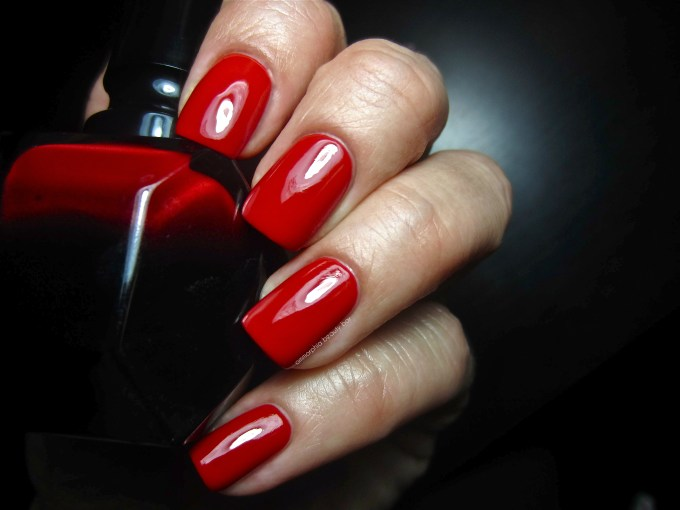 Rouge Louboutin swatch