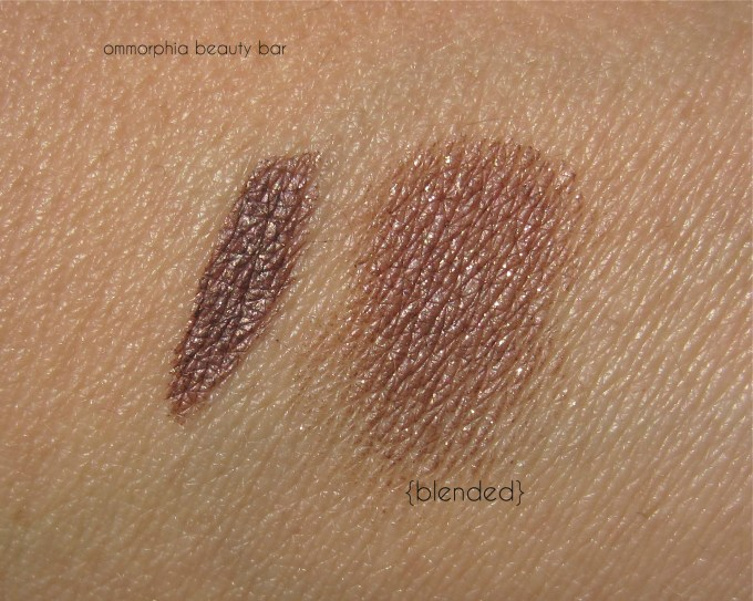 Illamasqua Embellish swatch