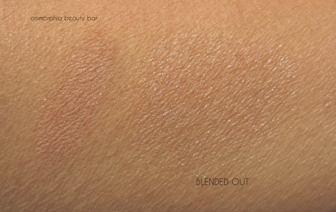 UD Naked On The Run 5050 Highlighter swatch