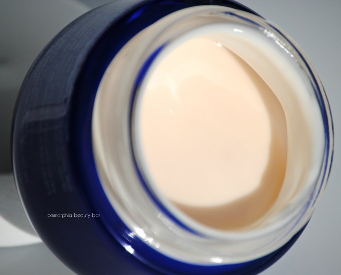 Garnier Ultra-Lift Miracle Sleeping Cream macro