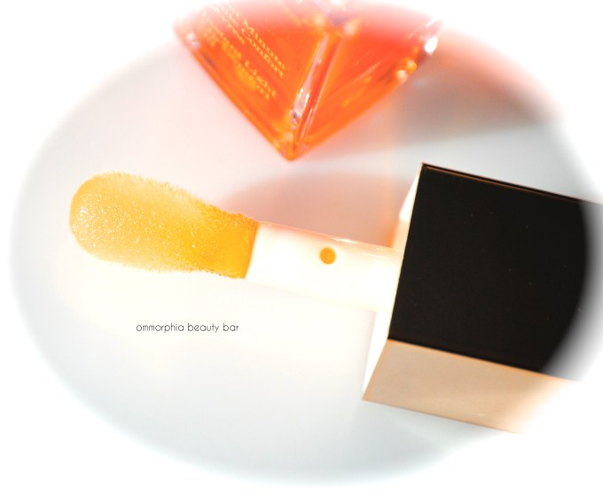 Clarins Lip Comfort Oil applicator