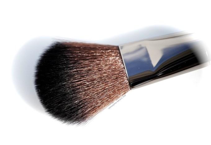 MUFE 156 Wavy Brush macro