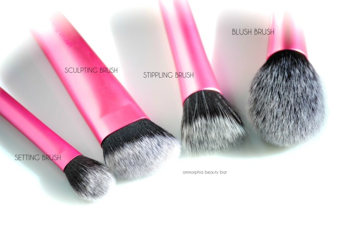 Real Techniques Finishing Face Brushes macro