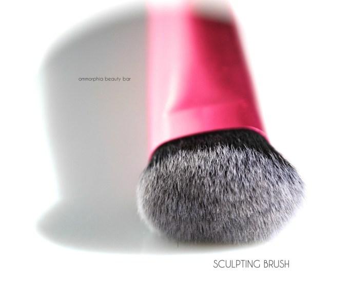 Real Techniques Sculpting Brush macro