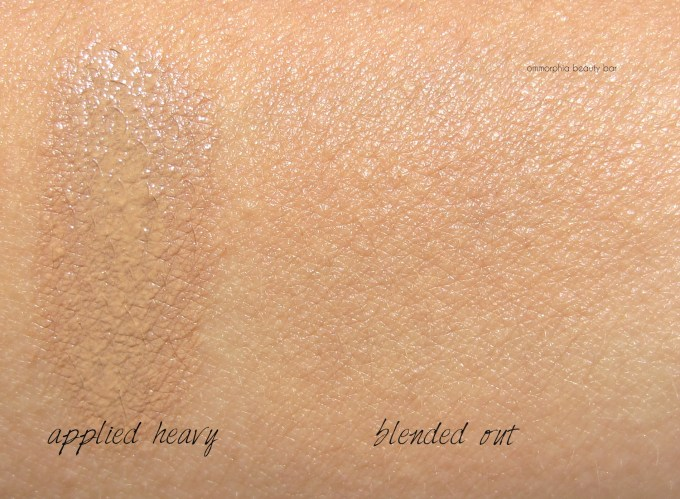 Lancome 04 Beige Miel Miracle Cushion swatches