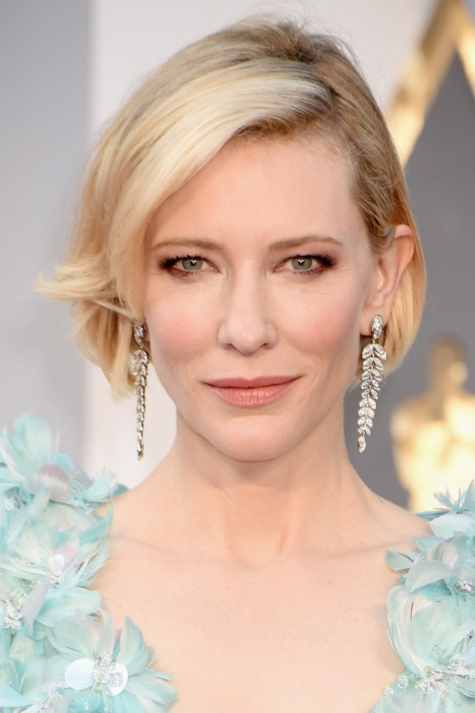 Cate-Blanchett-Oscars-2016-Red-Carpet-Beauty-Vogue-28Feb16-Getty_b