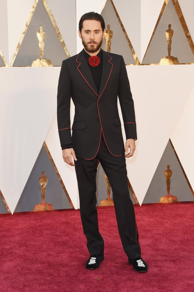 Jared-Leto-Oscars-2016-Red-Carpet-Vogue-28Feb16-Getty_b