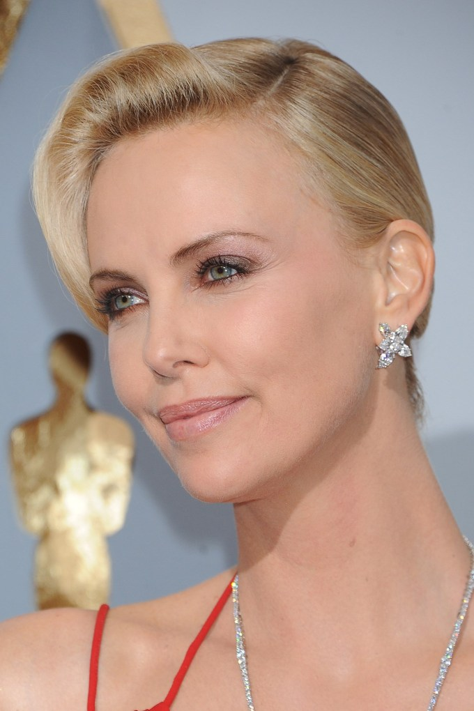 charlize-theron-beauty-vogue-29feb16-getty_b