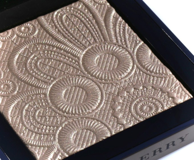 Burberry Nude Gold Highlighting Palette 2