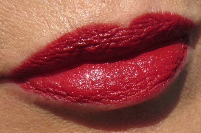 MAC x Charlotte Olympia Leading Lady Red swatch