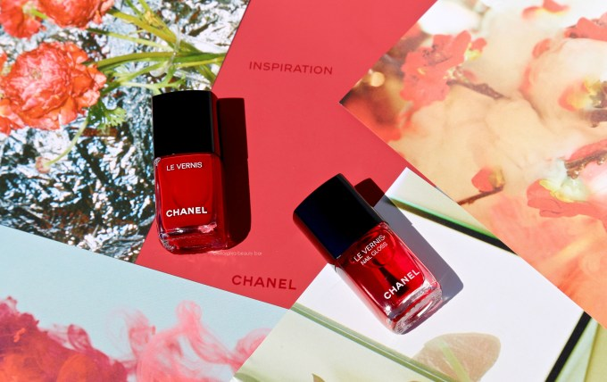 CHANEL Le Rouge nail polish opener