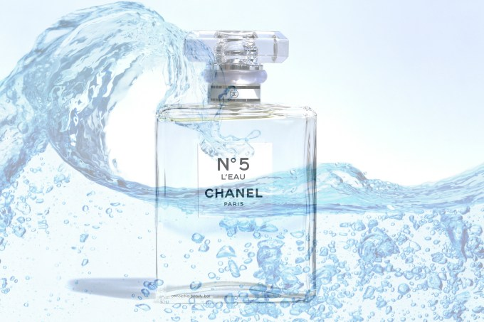 CHANEL No5 L'Eau opener