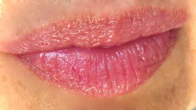 Dior Addict Lip Glow Lipbalm swatch