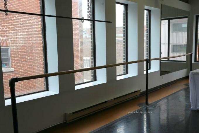 Lise Watier x Grands Ballets Studio C barre