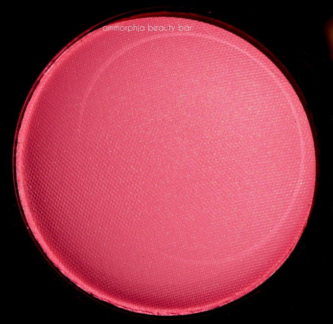 chanel-hyperfresh-blush-macro