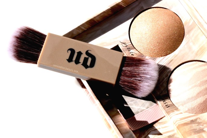 ud-naked-illuminated-trio-brush