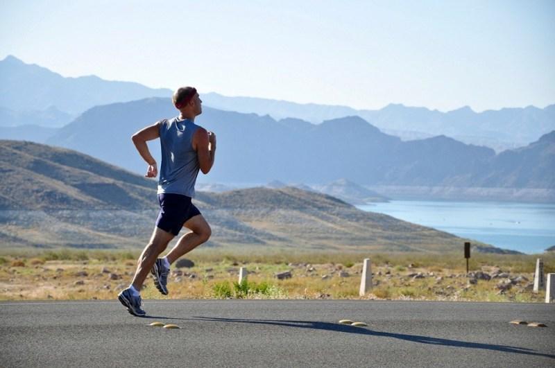 мужчина бег здоровье