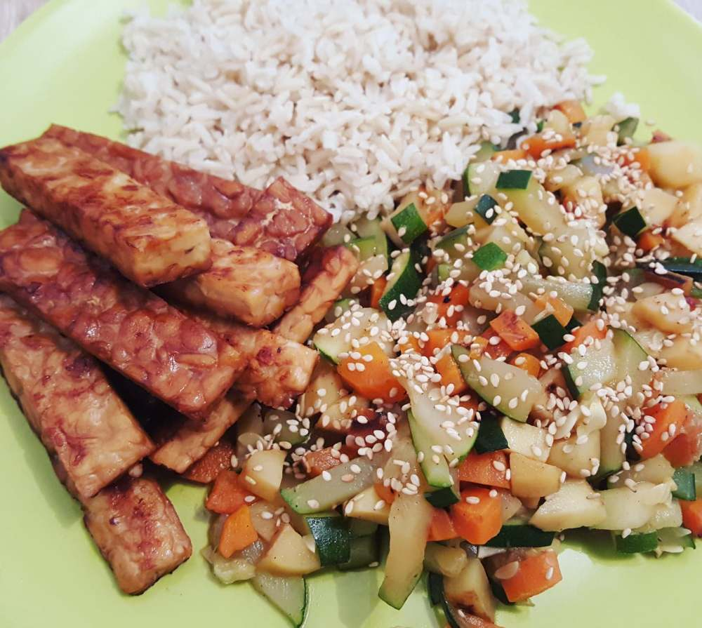 tempeh-grille-legumes-riz