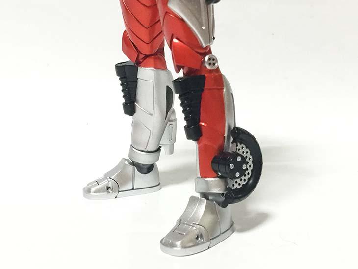 S.H.フィギュアーツ(真骨彫製法)仮面ライダーアクセル|おもちゃライダー