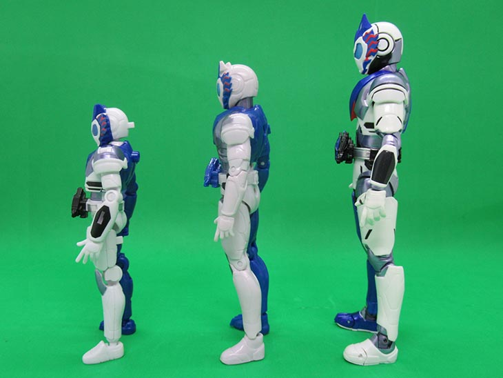 【比較】装動・RKF・S.H.フィギュアーツを比較!S.H.フィギュアーツ 仮面ライダーバルカン シューティングウルフ|おもちゃライダー