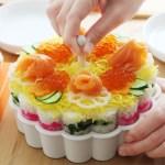全体だとお花の形、切り分けるとハートの形…とってもキュートなケーキやちらし寿司が作れる「マイパーラー」