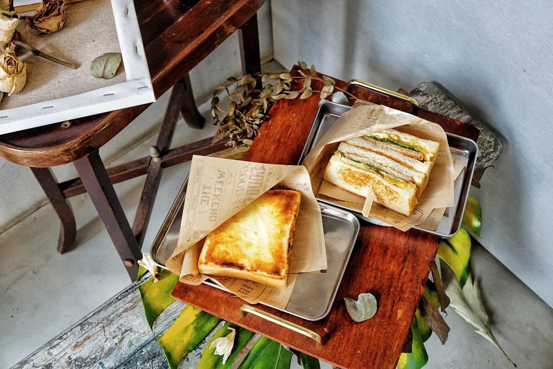 """【台北中山早午餐】長板凳工作室    捷運行天宮站""""自製奶酥厚片"""