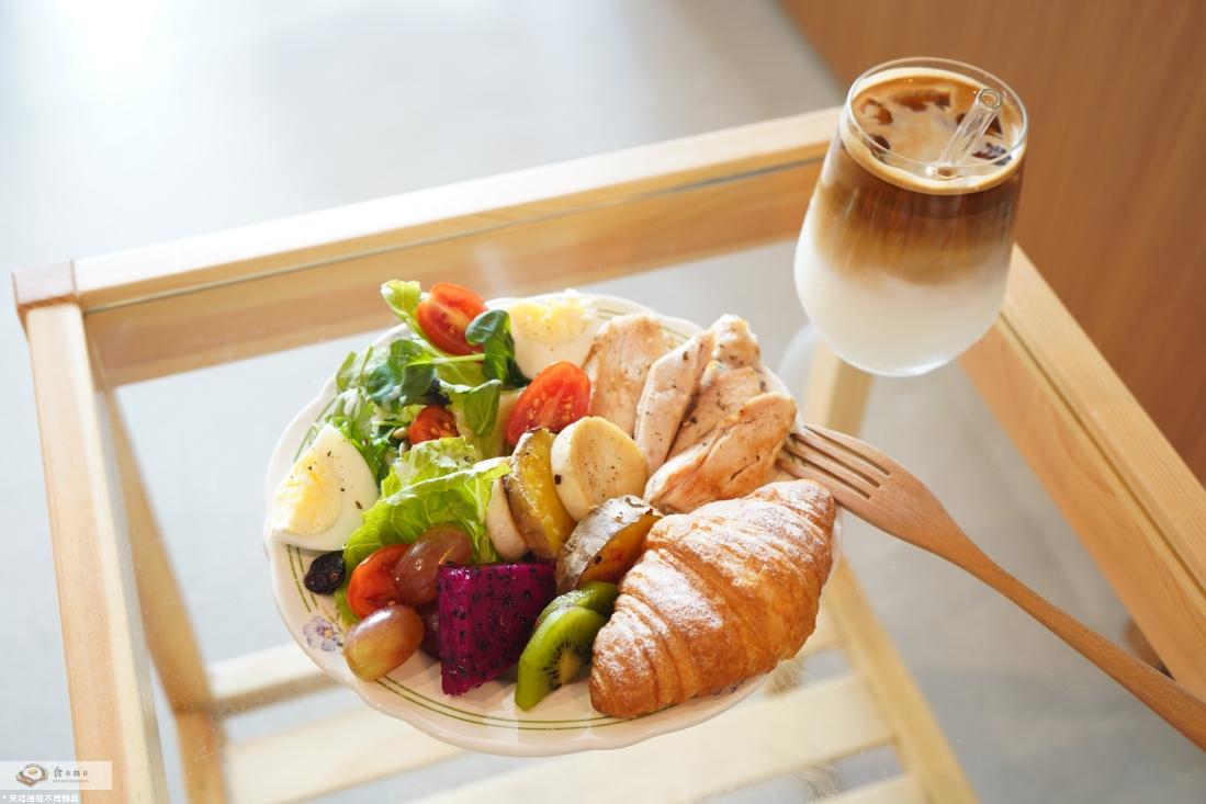 """【台北大同早午餐】Plainstay Hostel Cafe&Bar城西時光     台北車站文青風Cafe&Bar""""澎湃早餐盤"""