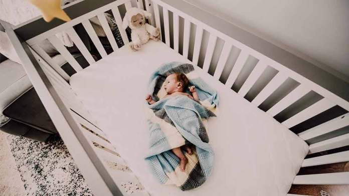赤ちゃんがよく首を左右に振るのはどんな理由? 1