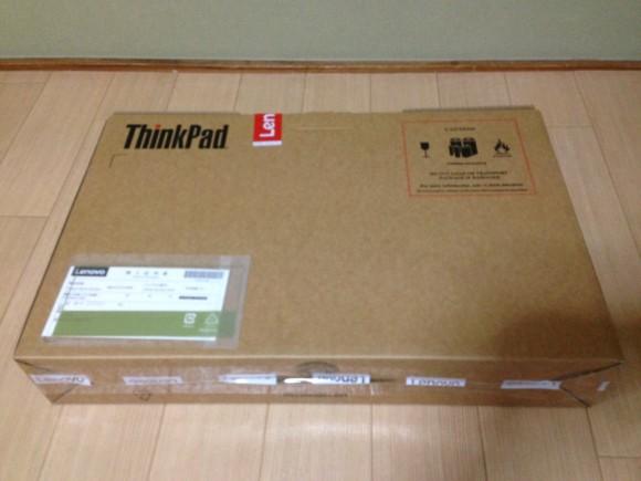 レノボのThinkPadは箱の中に箱がまた出てくる