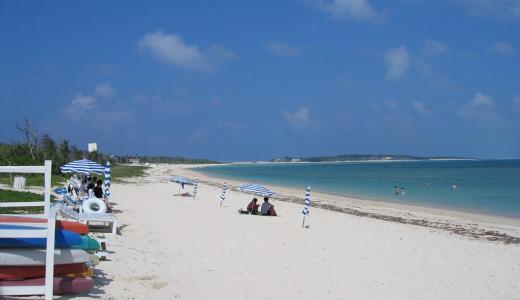 日本の渚百選にも選ばれる久米島のイーフビーチ