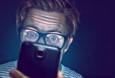 how to protect your eyes if you use smartphones often