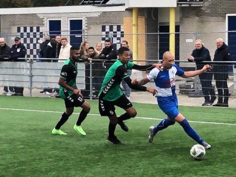 Superieur Waterwijk vernedert stadgenoot FC Almere.