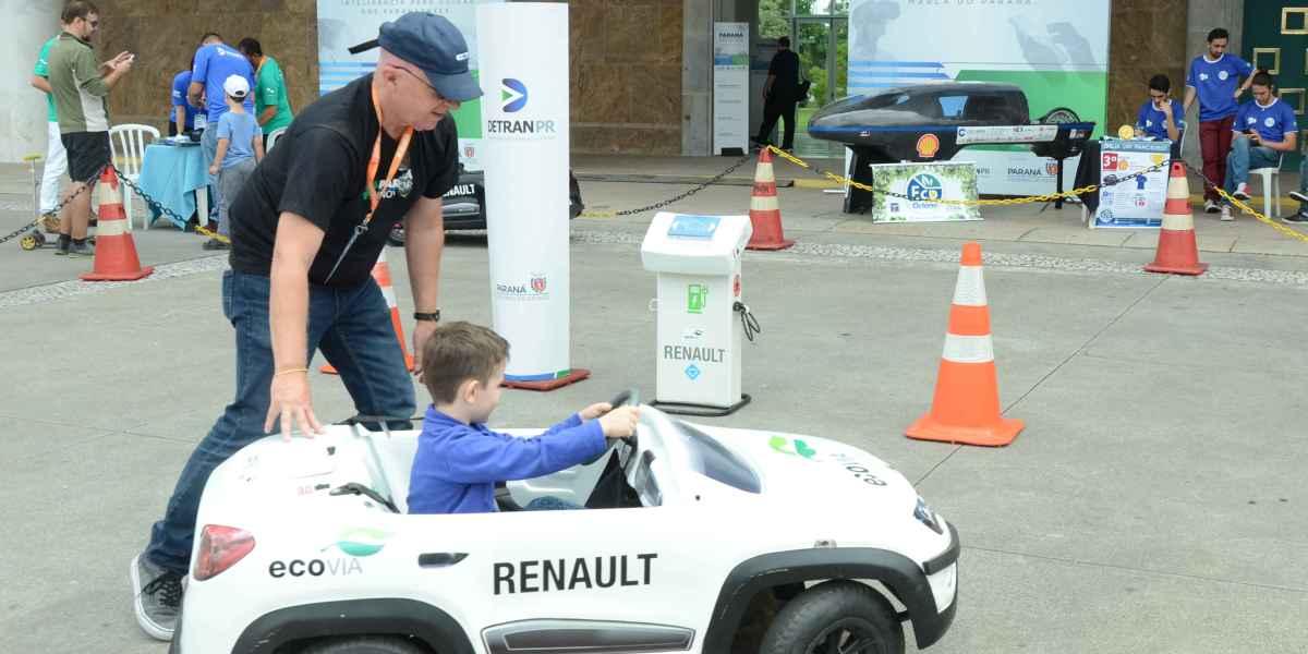 Eletromobilidade: imagem de evento Paraná Inovador