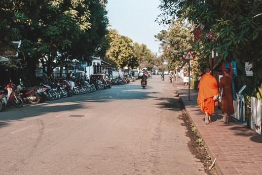 Moeda no Laos