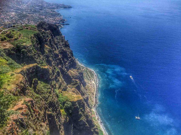 Blick von der Aussichtplattform Cabo Girão auf Madeira