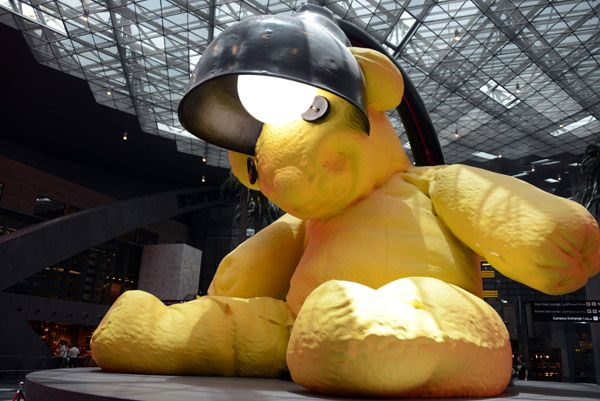 bear-Qatar-airport