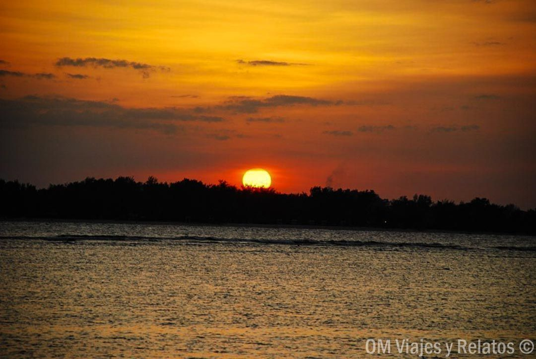 Sunset-en-las-Islas-Gili-Indonesia