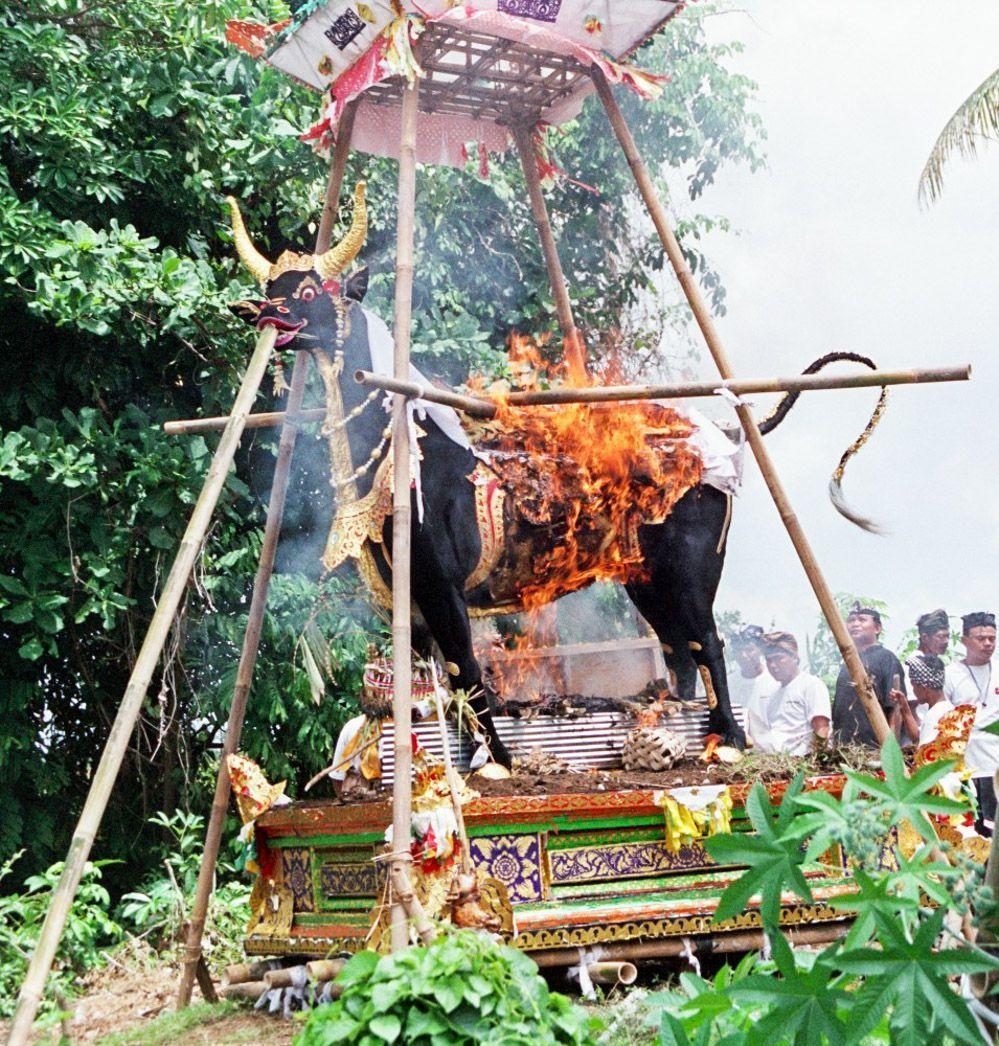 Bali-cremación