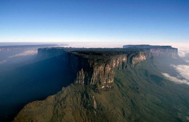 Salto-del-Angel-en-Venezuela-y-Parque-de-Canaima