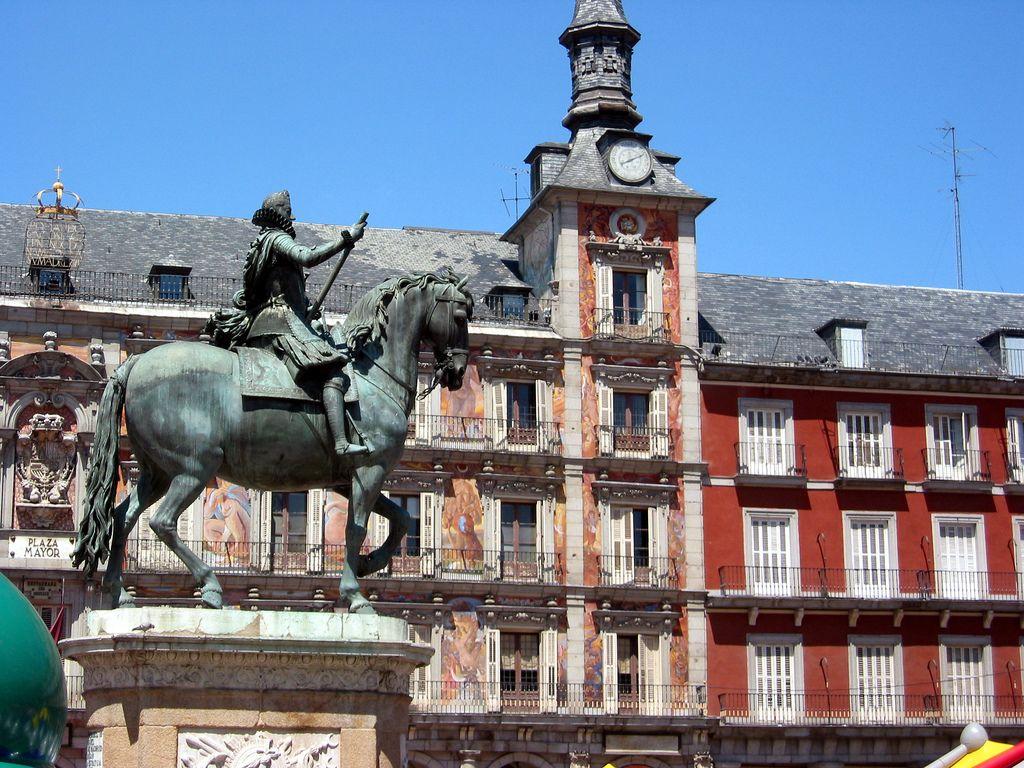 plaza-mayor-madrid-turismo