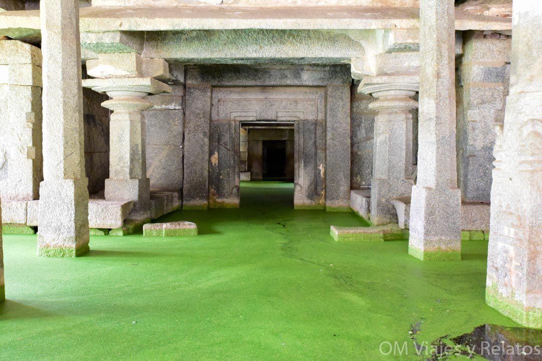 Shiva-underground-temple-India-Templo-Shiva