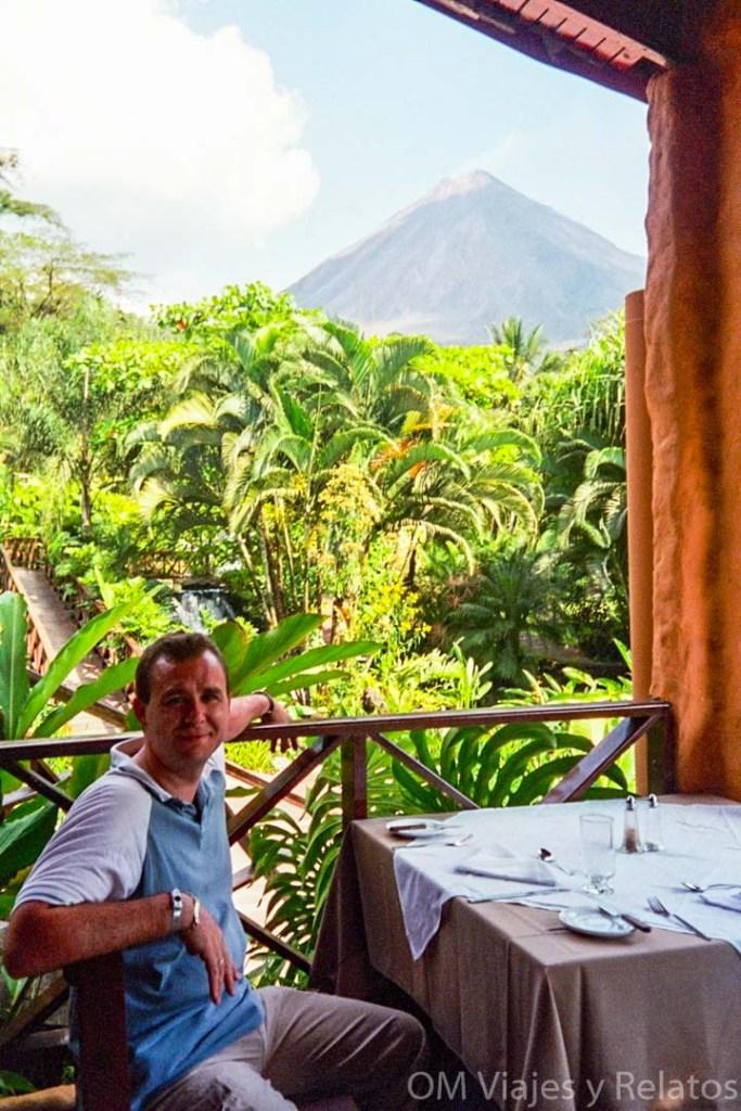 Balneario-tabacón-en-Costa-Rica-restaurante