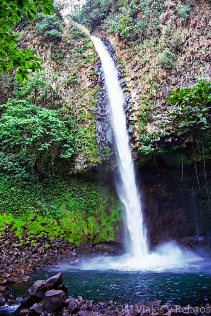 catarata-la-Fortuna-parque-nacional-Volcán-Arenal