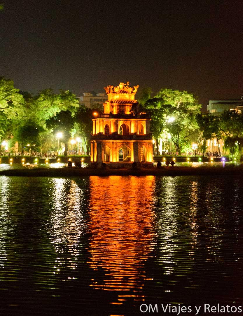 el lago Hoan Hiem Hanoi