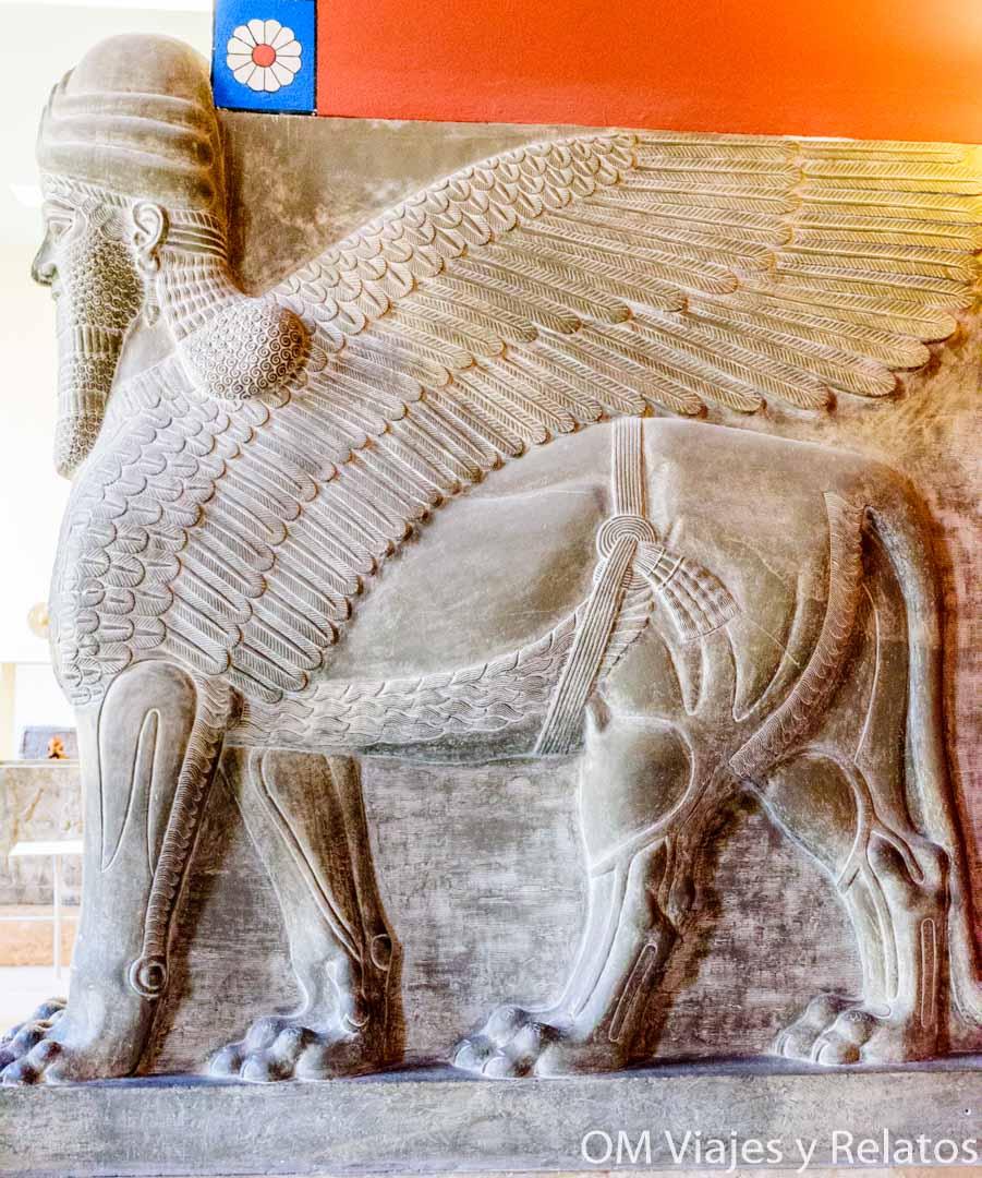 toros-alados-Museo-de-Pérgamo