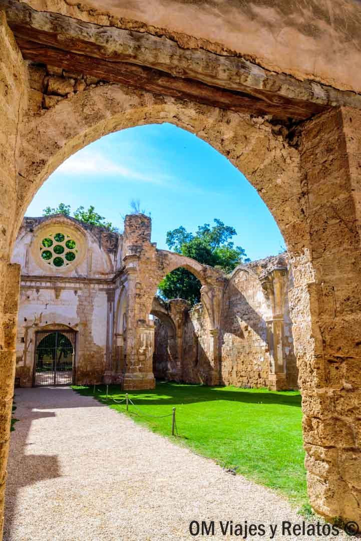 hoteles-monasterio-piedra
